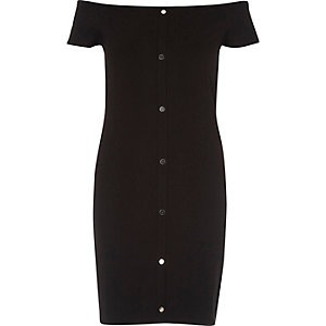 Robe Bardot noire à boutons-pression sur le devant
