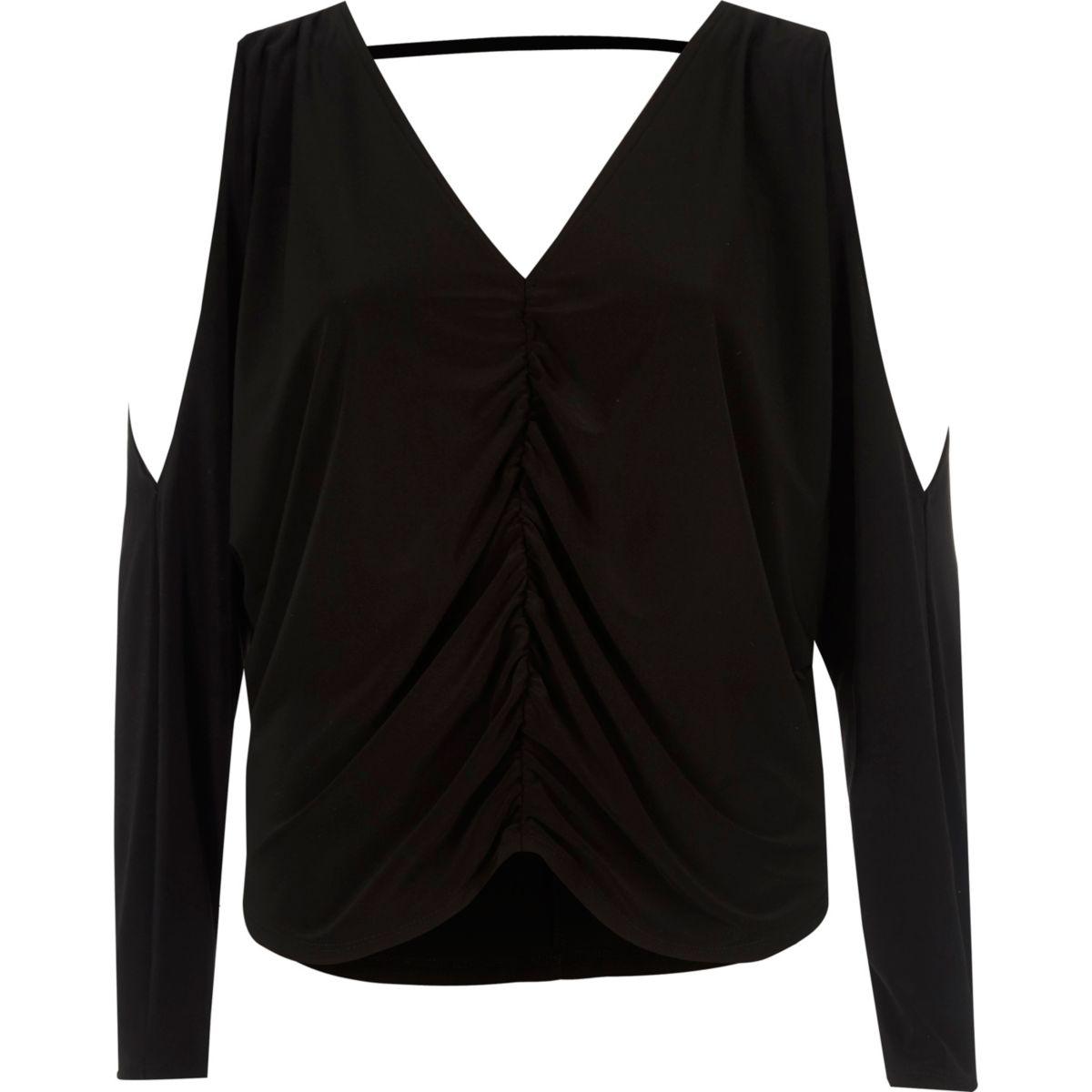 Zwarte schouderloze top met vleermuismouwen en gerimpelde voorkant