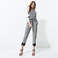 Zwarte cropped broek met gingham-ruit en gehaakte zoom