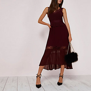 Dark red pleated skirt lace trim dress