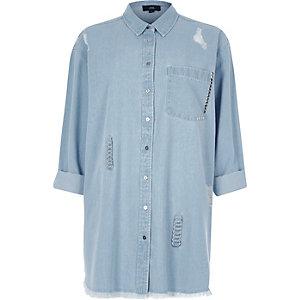 Blaues Oversized-Jeanshemd im Used-Look mit Ringelement