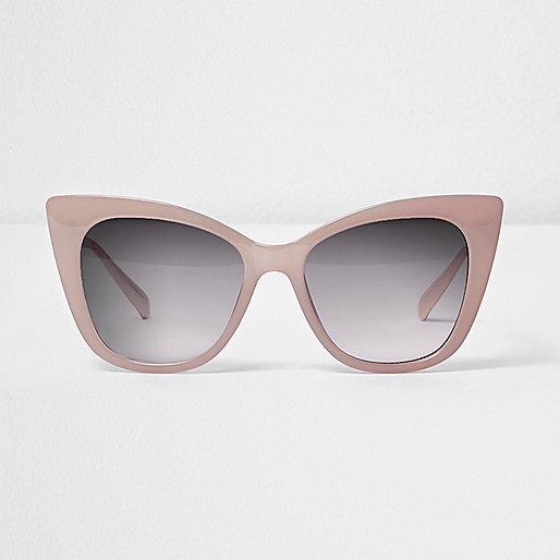 Light pink cat eye smoke lens sunglasses