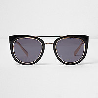 Black brow bar smoke lens sunglasses