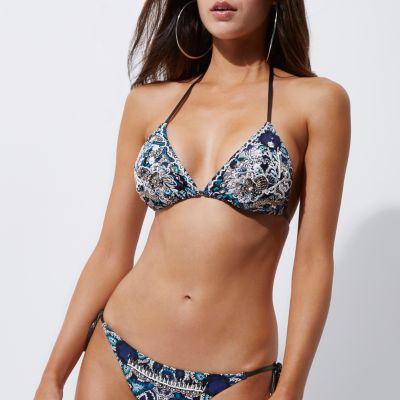 Blauwe versierde triangel-bikinitop
