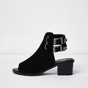 Bottines peep toe en daim noir style western