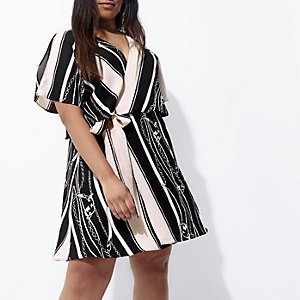 Plus black chain print wrap tea dress
