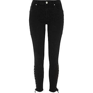 Amelie – Jean super skinny noir avec détails lacés