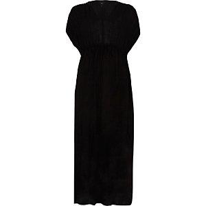 Robe longue noire à ceinture et manches froncées