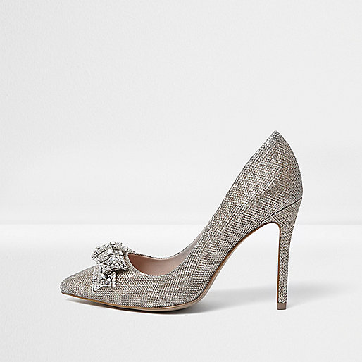 Verzierte Pumps in Gold