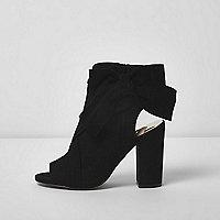 Black tie side shoe boots