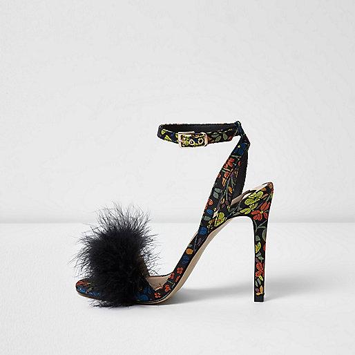 Zwarte gebloemde pluizige minimalistische sandalen