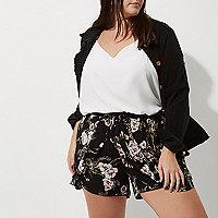 Plus – Short à fleurs noir avec ourlet à pompons