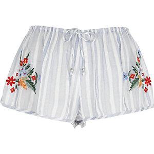 Blaue, gestreifte Pyjama-Shorts mit Blumenstickerei