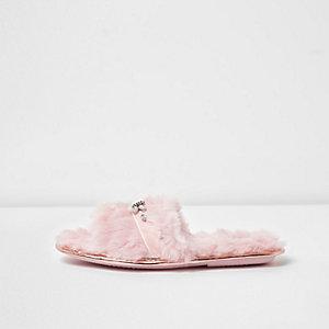 Roze pluizige pantoffels met stras