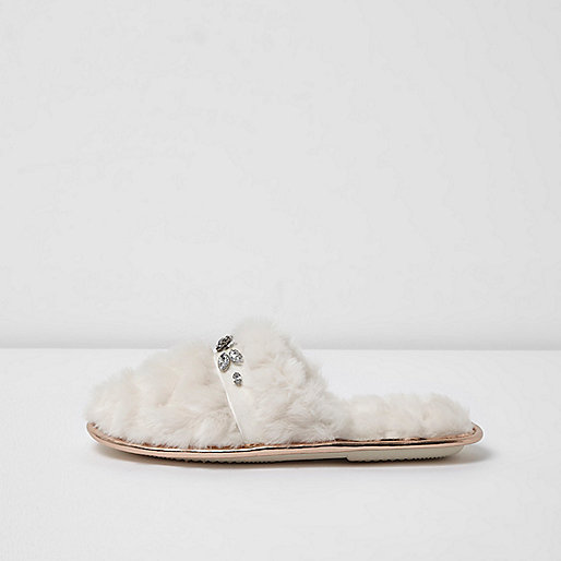 Cream quilted fluffy rhinestone slippers