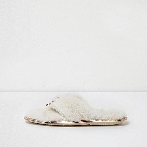 Cream faux fur bow front flip flop slippers