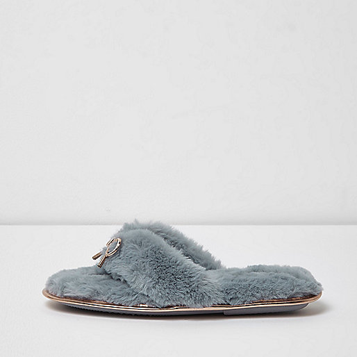 Light blue faux fur bow flip flop slippers