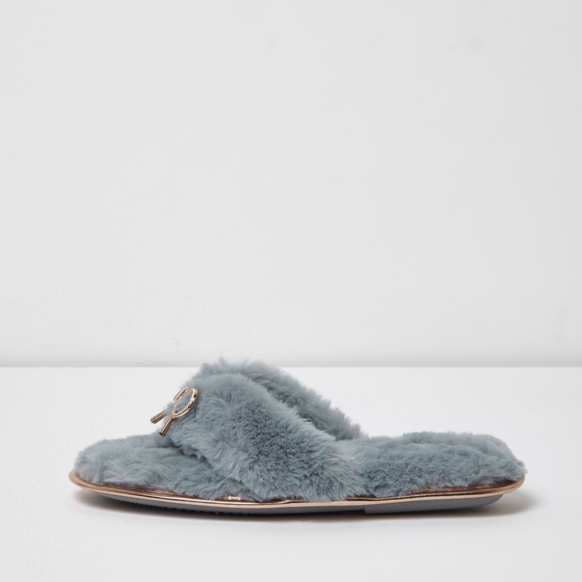 Light blue fluffy bow flip flop slippers