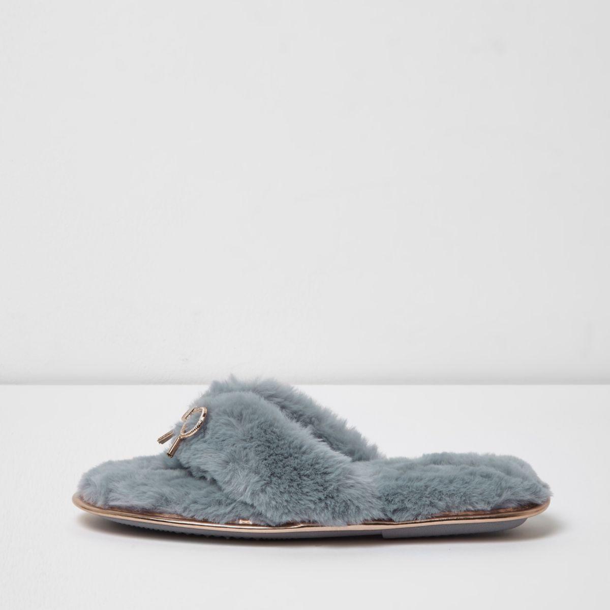 Light blue fluffy bow flip flop slippers