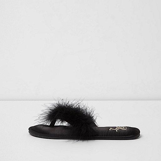 Zwarte teenslipperpantoffels met veren