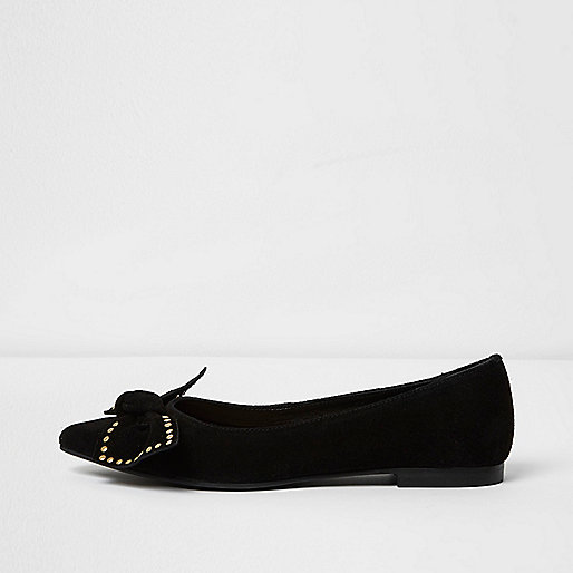 Black suede studded bow pointed shoes
