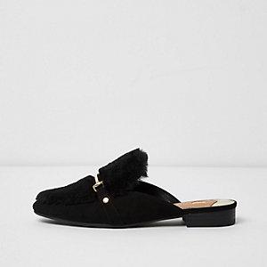 Zwarte loafers zonder achterkant met imitatiebont