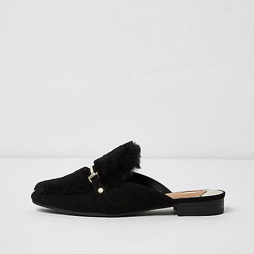 Black fur snaffle backless loafers