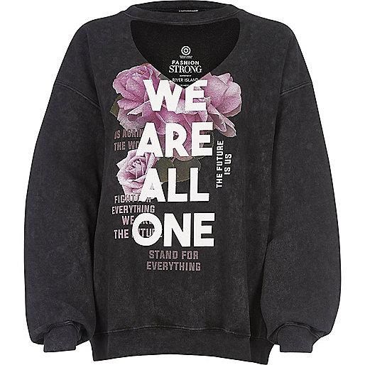 Zwart sweatshirt met choker en Fashion Strong-print