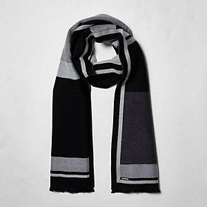 Écharpe façon couverture imprimé colour block noir et blanc