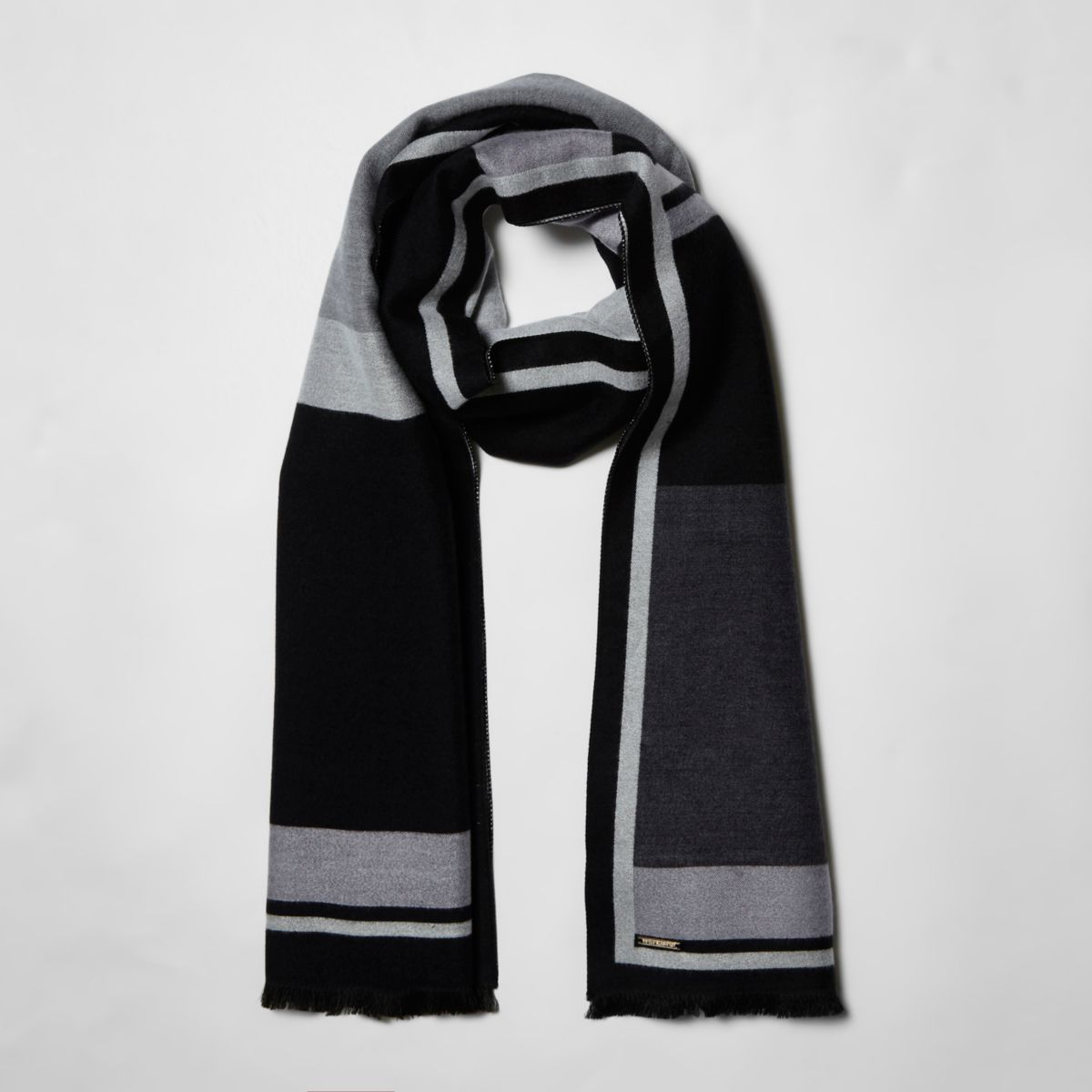 Zwarte sjaal met zwarte-witte blokkenprint