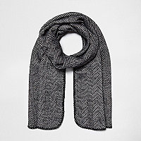 Black herringbone print reversible knit scarf