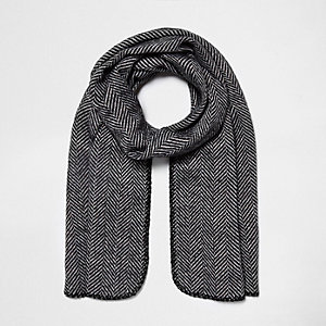 Zwarte omkeerbare gebreide sjaal met visgraatprint