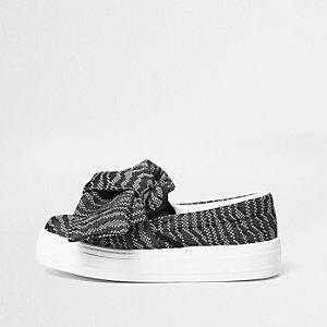 Black woven oversized bow flatform plimsolls