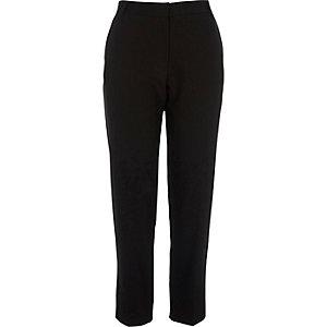 Zwarte smaltoelopende nette broek