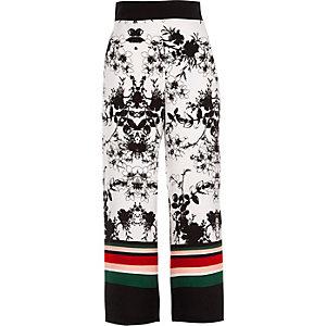 Pantalon court à fleurs blanc