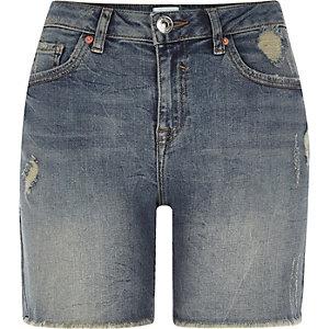Mittelblaue Boyfriend-Jeansshorts im Used Look