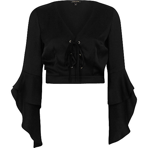 Black lace-up front frill sleeve crop top