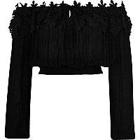 Crop top Bardot noir avec dentelle à manches longues