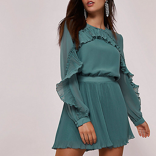 Green long sleeve pleated frill romper