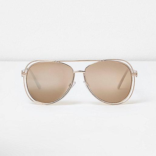 Gold tone trim aviator sunglasses