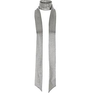 Schmaler Schal in Silber-Metallic