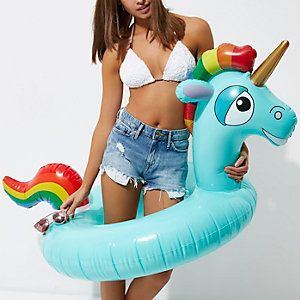 Inflatable unicorn float