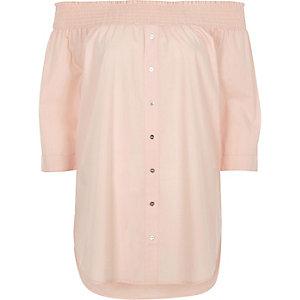 Top Bardot rose clair froncé boutonné sur le devant