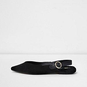 Chaussures noires pointues à bride arrière et fourrure