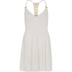 White ring back beach swing dress
