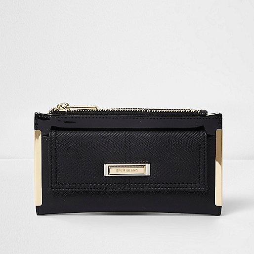 Black front pocket foldout purse