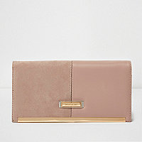 Beige mixed texture travel organizer