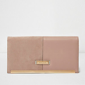 Beige mixed texture travel organiser