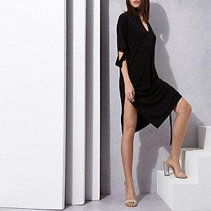 RI Studio - Zwarte midi-jurk met ruches en choker