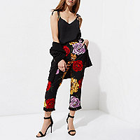 Petite black floral tassel cropped pants